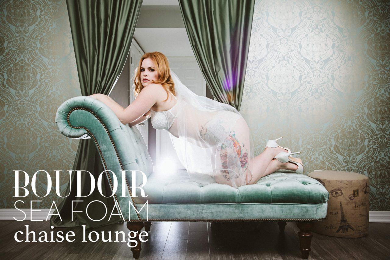 chaise-lounge-boudoir-calgary-sarah-pukin