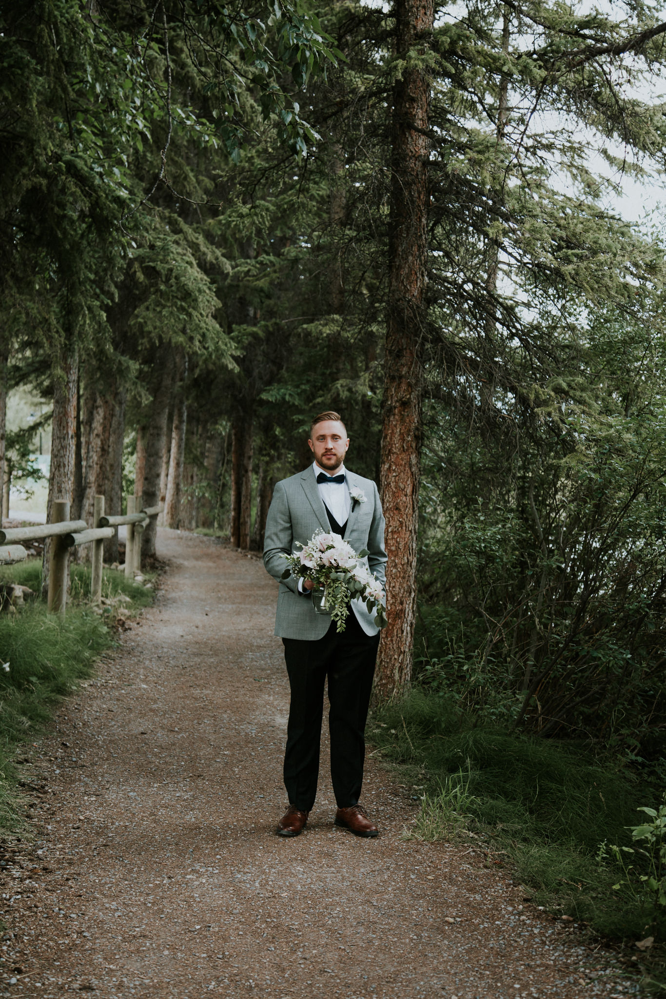 first-look-needs-to-be-crashed-by-your-best-man-in-a-wedding-dress-1