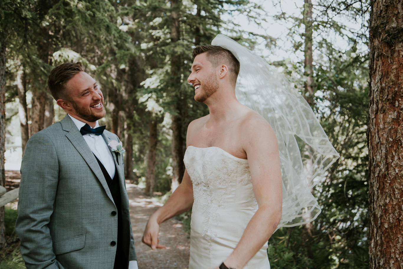 first-look-needs-to-be-crashed-by-your-best-man-in-a-wedding-dress-10