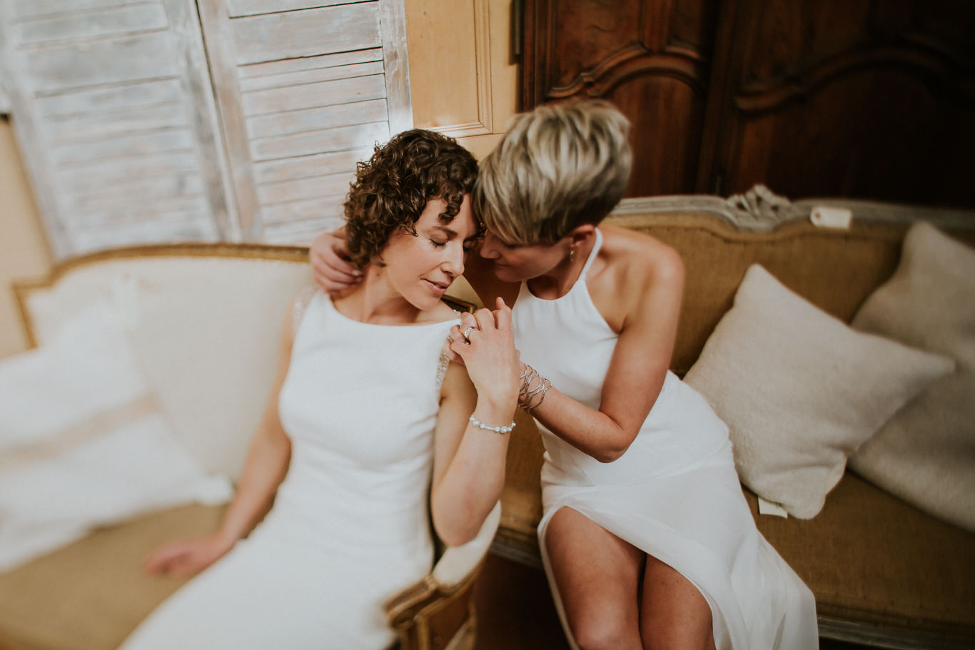 Lindsay-and-Heather-Charbar-Restaurant-Wedding-in-Calgary-37