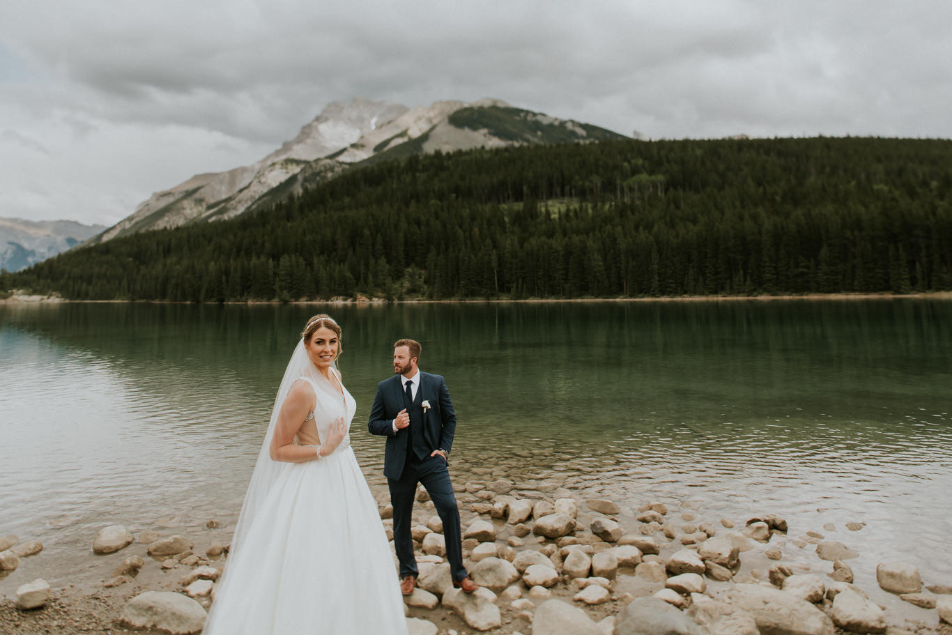 nicole-and-nick-silvertip-resort-golf-course-wedding-canmore-142