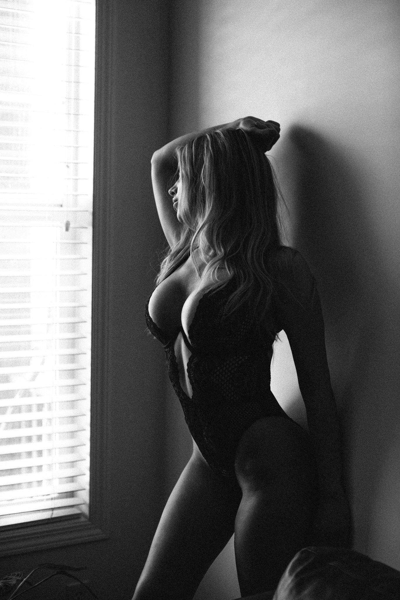 calgary-boudoir-photoshoot-winner-8