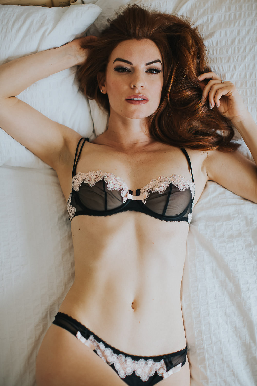 calgary-boudoir-photographer-bed-room-set-0067
