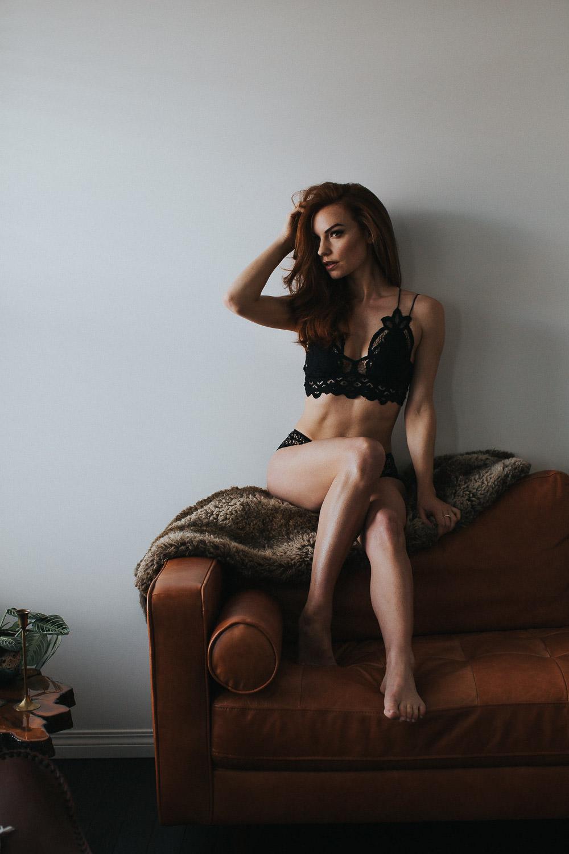 calgary-boudoir-photographer-living-room-0067