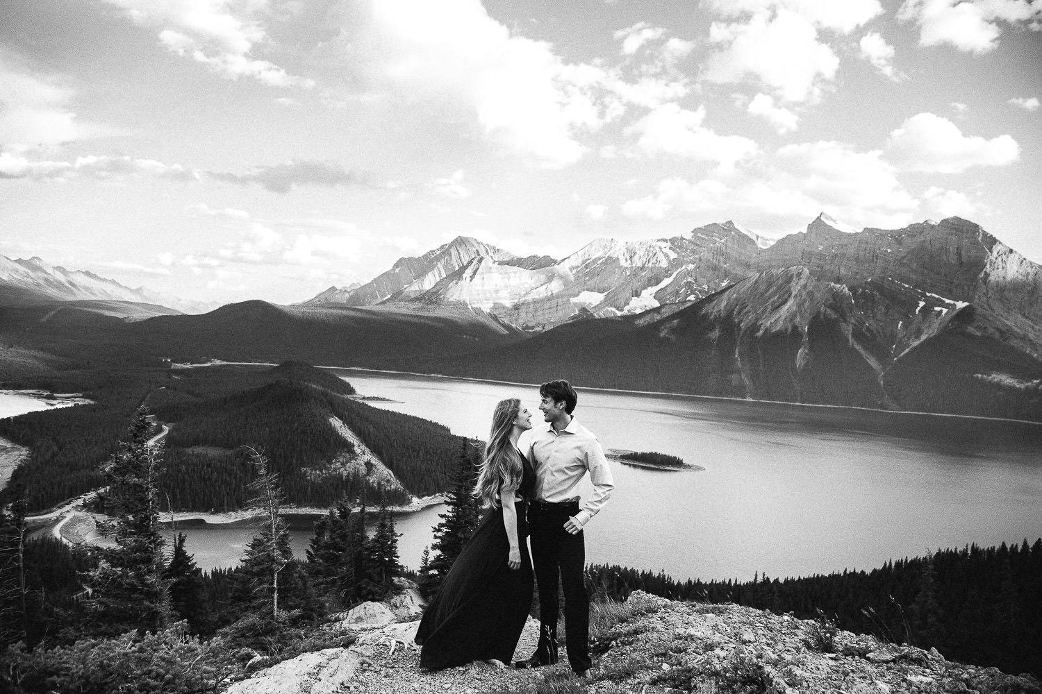 stylish couple in the Canadian Rockies - Sarah Pukin