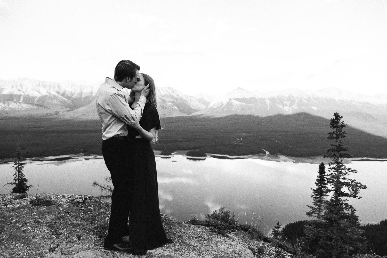 Canadian Rockies photographer Sarah Pukin mountain photo shoot