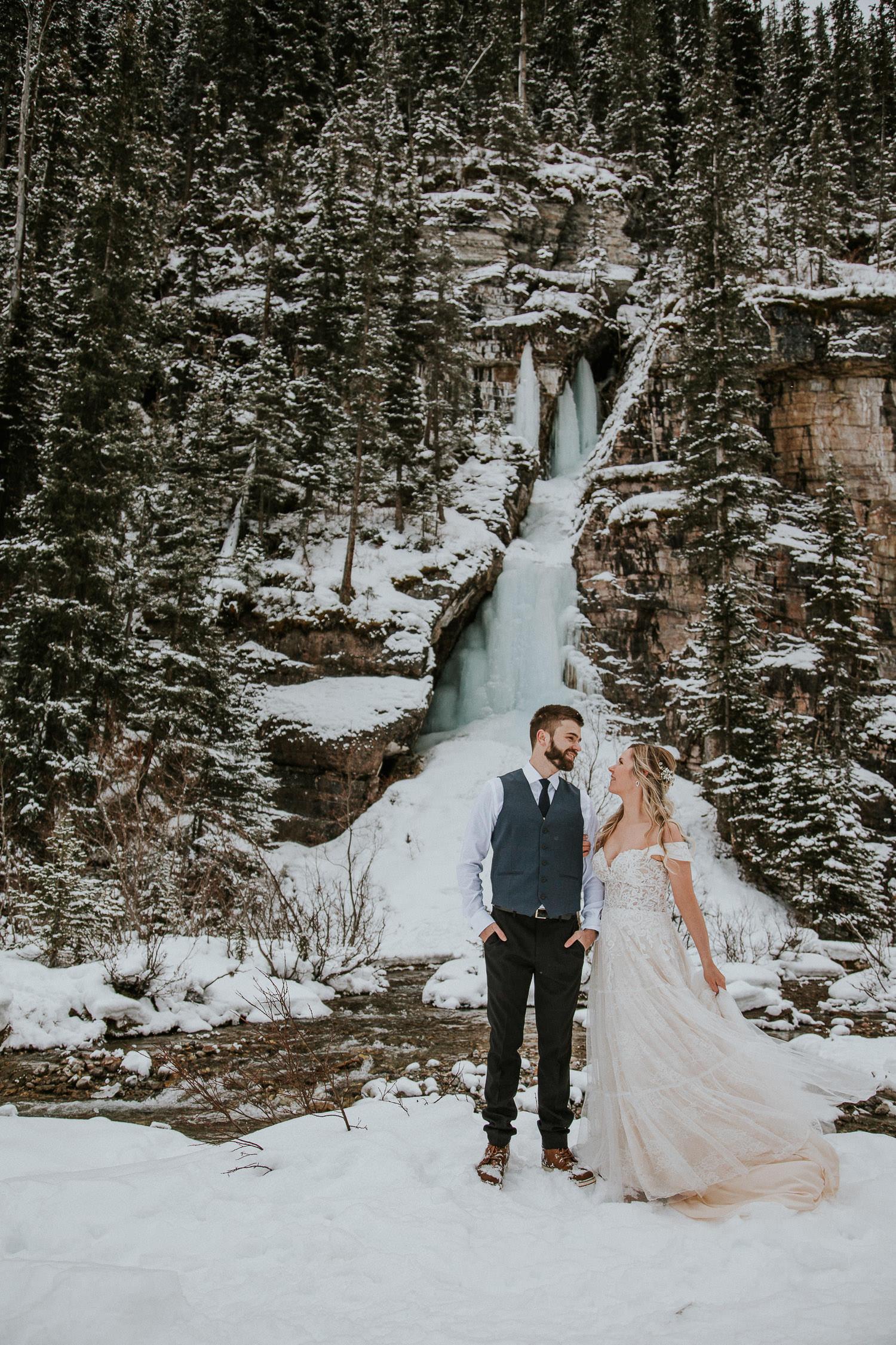 canadian-rocky-mountain-elopement-photographers-sarah-pukin-0014