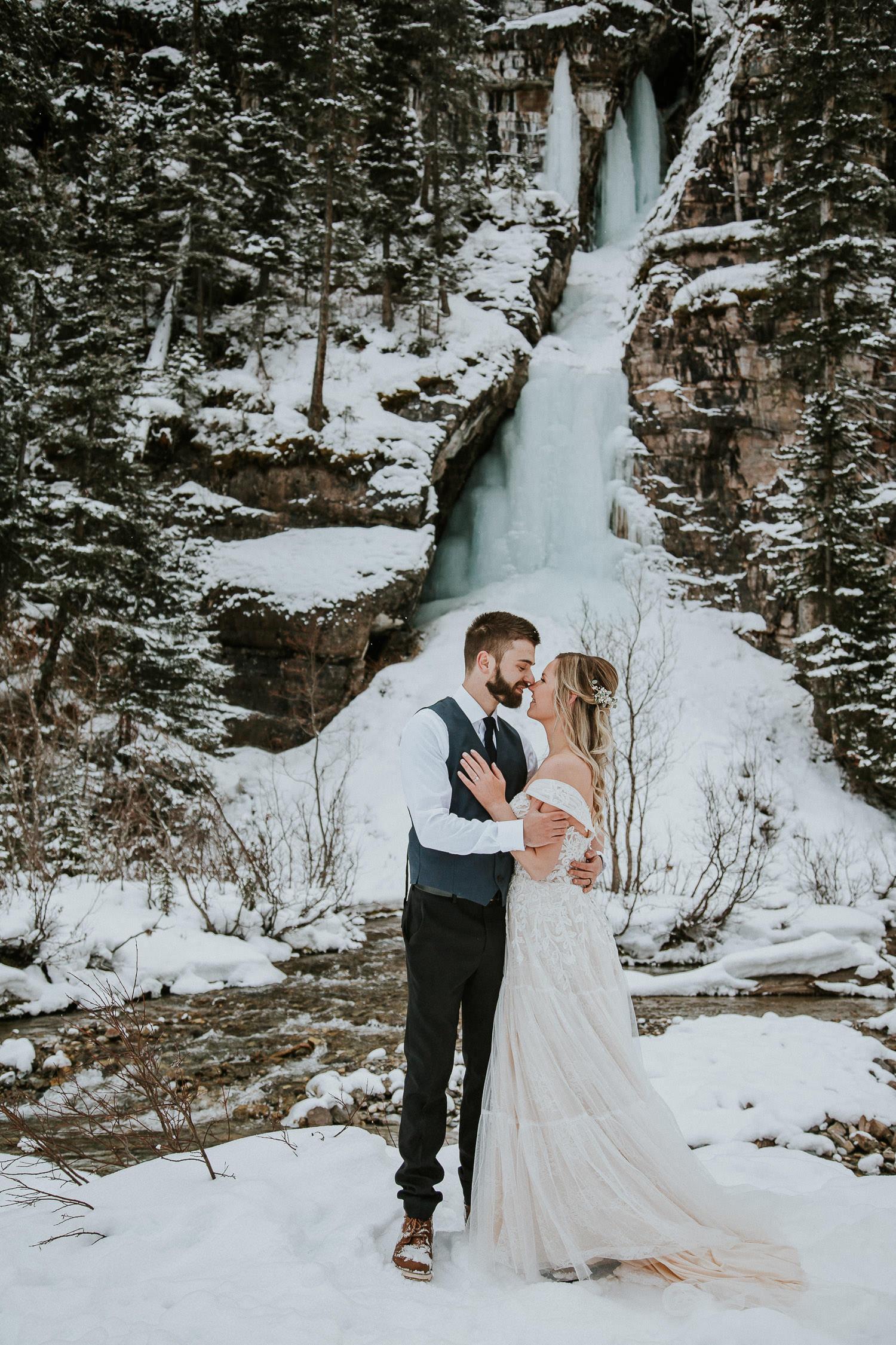canadian-rocky-mountain-elopement-photographers-sarah-pukin-0015