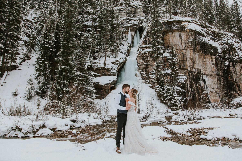 canadian-rocky-mountain-elopement-photographers-sarah-pukin-0016