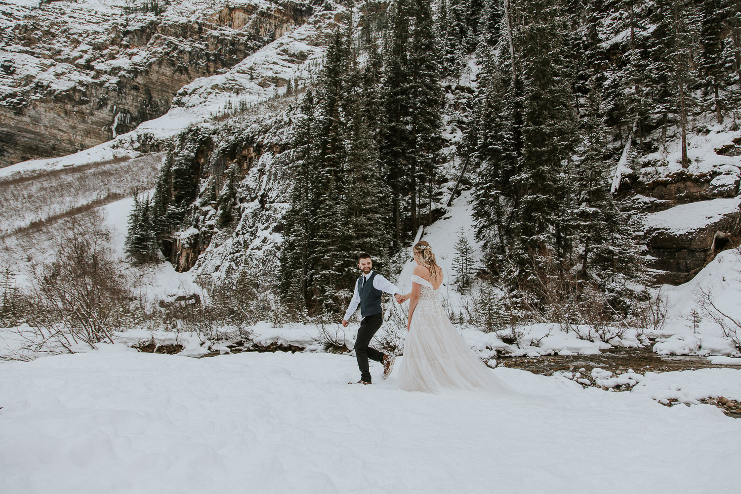 winter wedding in the Canadian Rocky Mountains