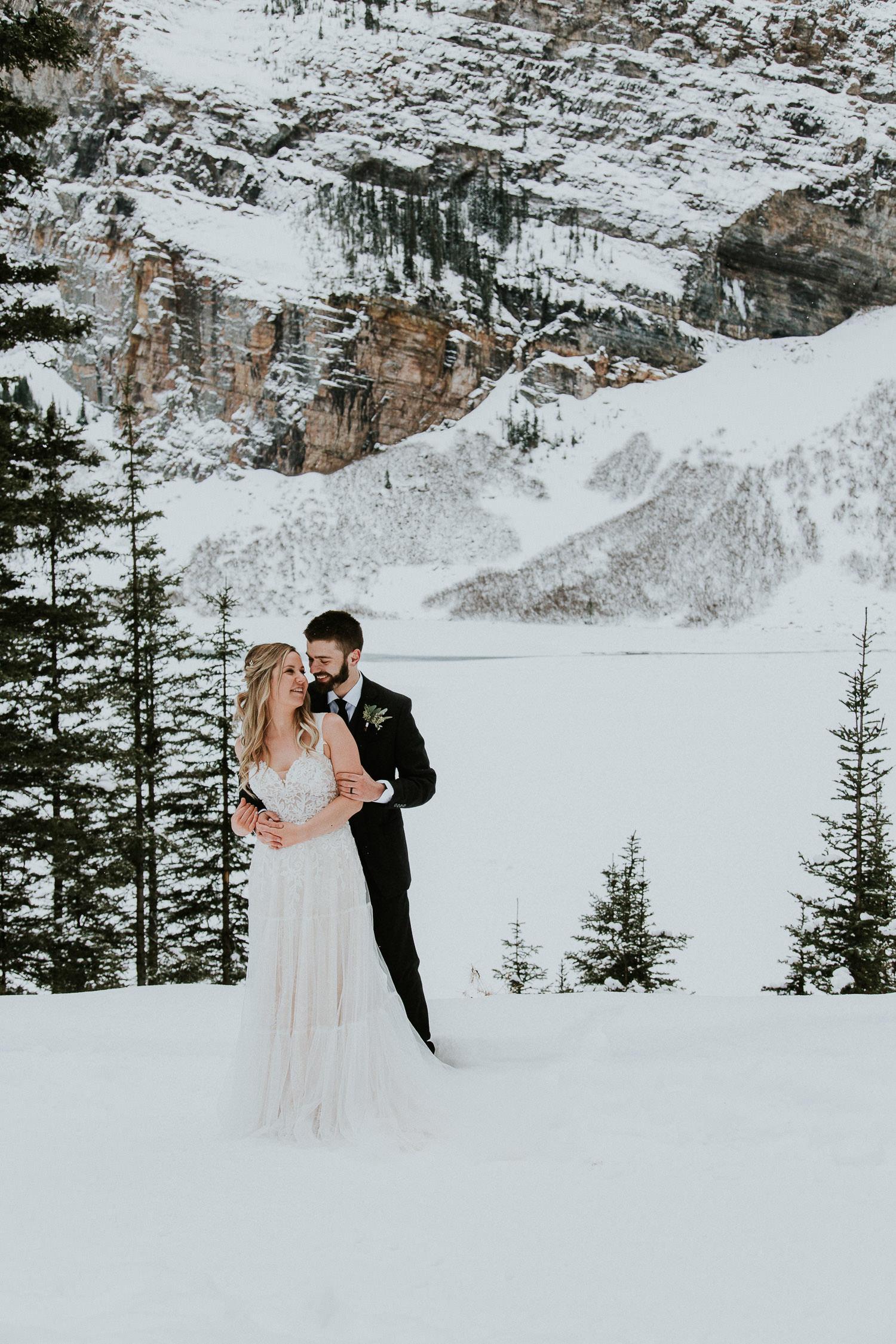 winter wedding in Banff