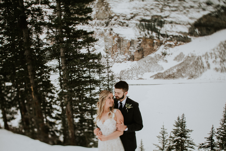 romantic wedding portraits in Lake Louise