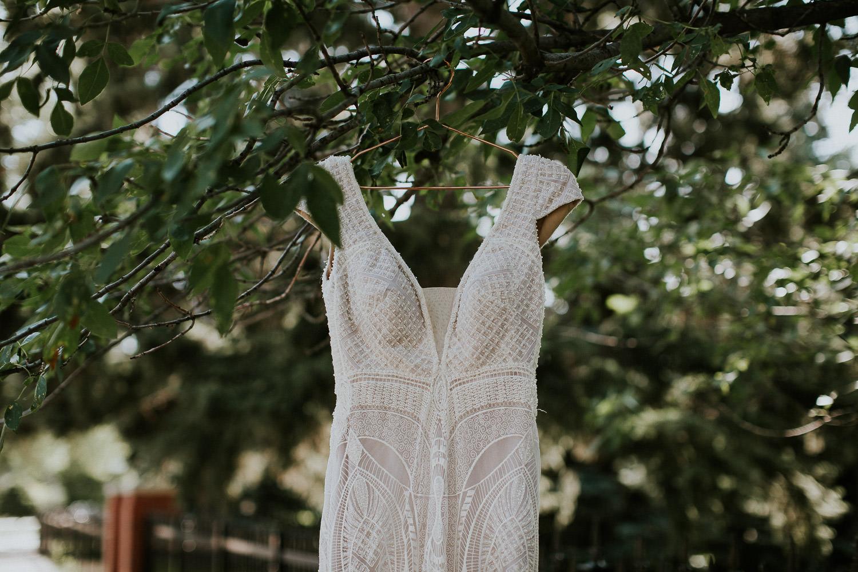 summer-backyard-wedding-in-alberta-sarah-pukin-0001