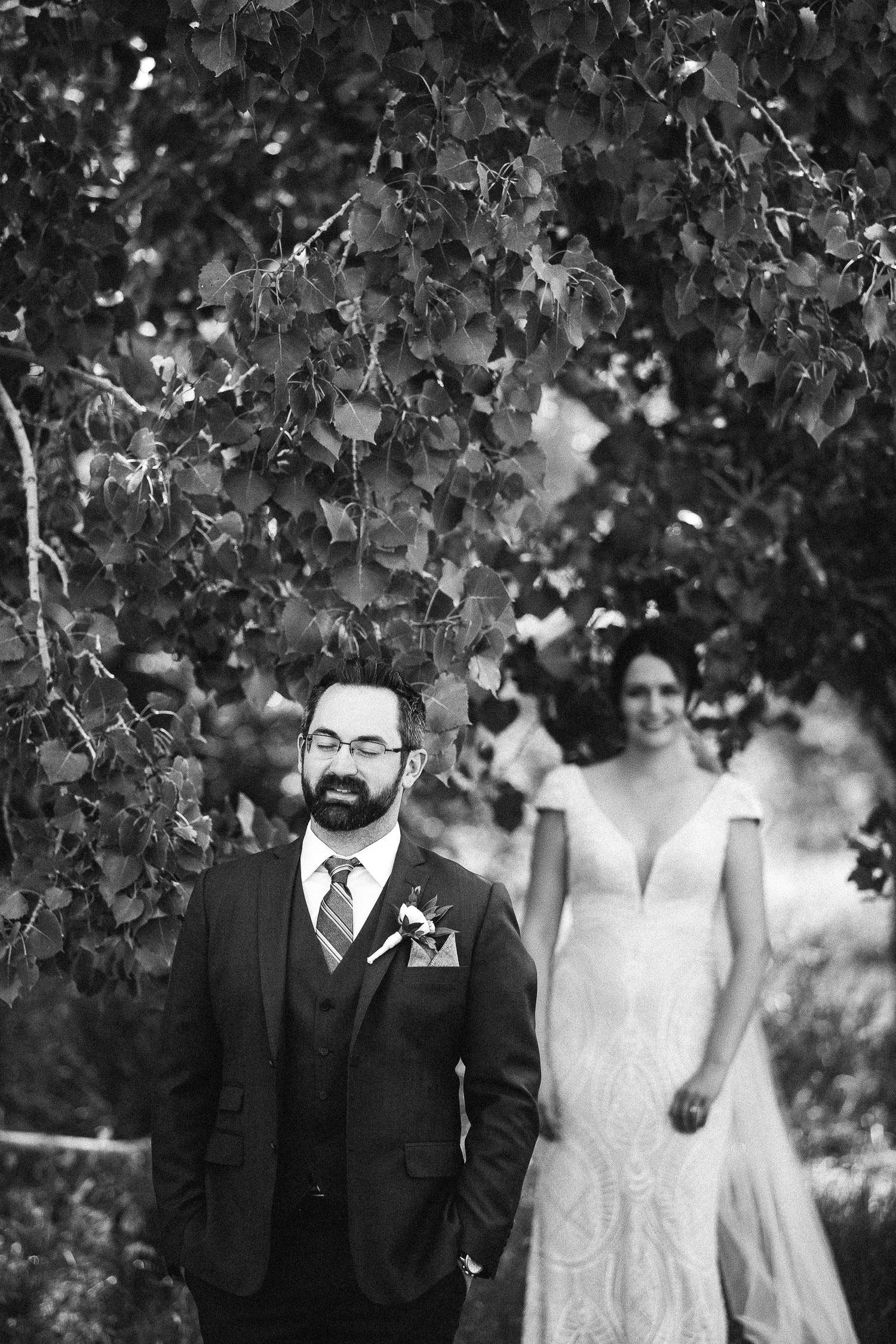 summer-backyard-wedding-in-alberta-sarah-pukin-0040