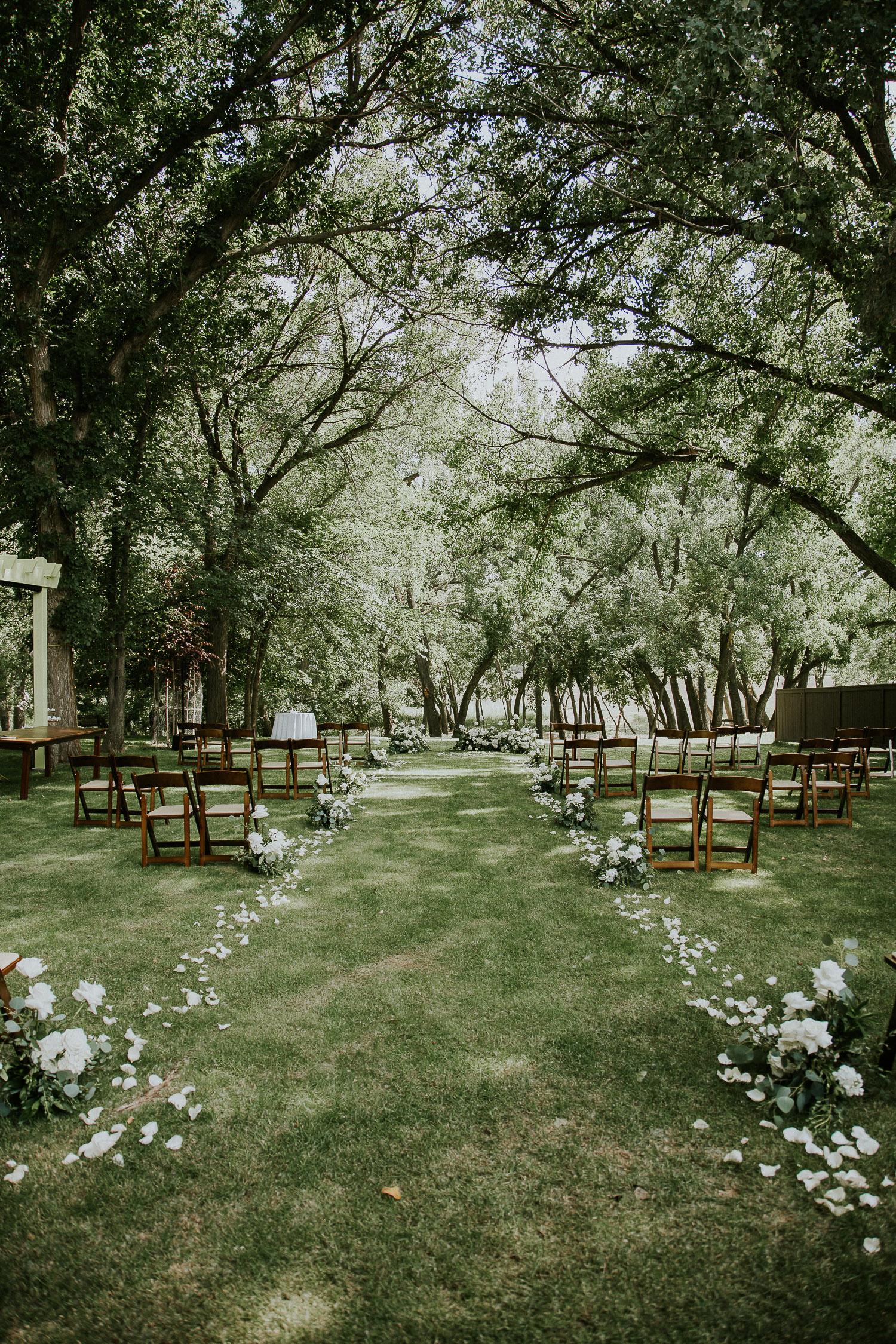 summer-backyard-wedding-in-alberta-sarah-pukin-0075