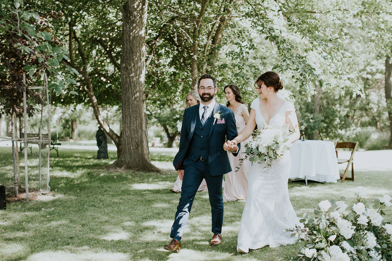 summer-backyard-wedding-in-alberta-sarah-pukin-0117