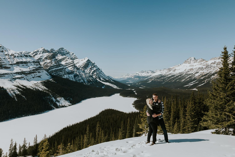 banff-national-park-engagement-photographer-sarah-pukin-0001