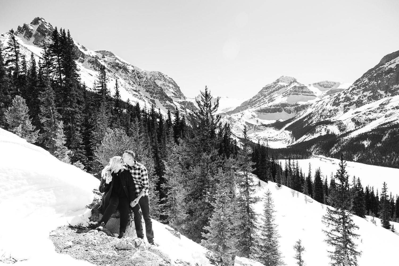 banff-national-park-engagement-photographer-sarah-pukin-0006
