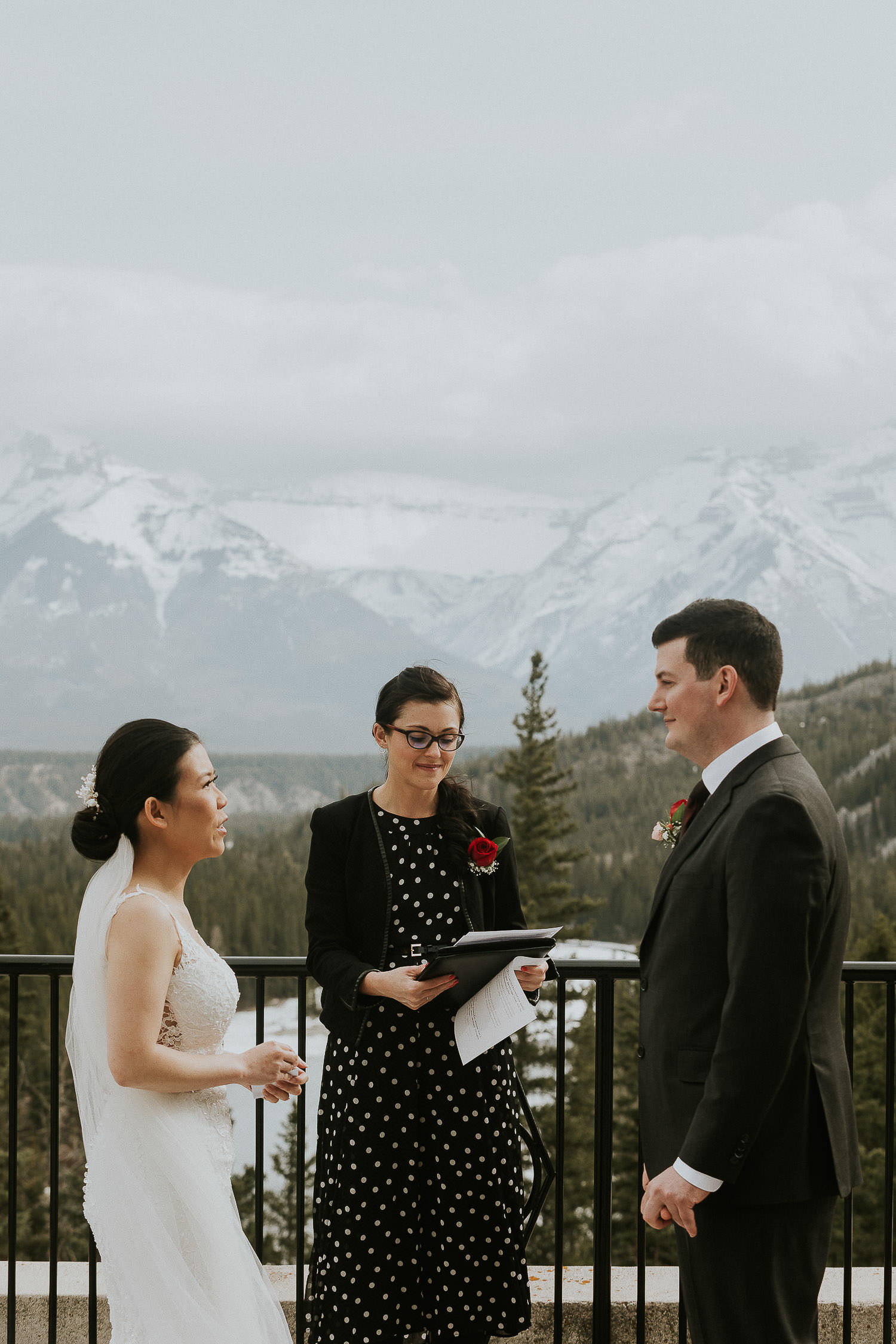intimate-wedding-at-banff-springs-hotel-sarah-pukin-0088
