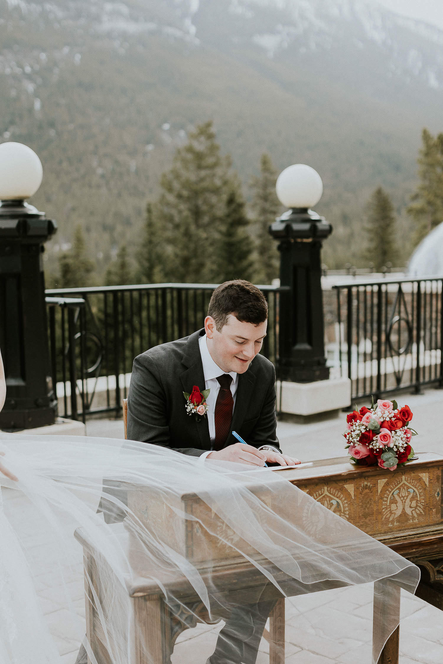 intimate-wedding-at-banff-springs-hotel-sarah-pukin-0105