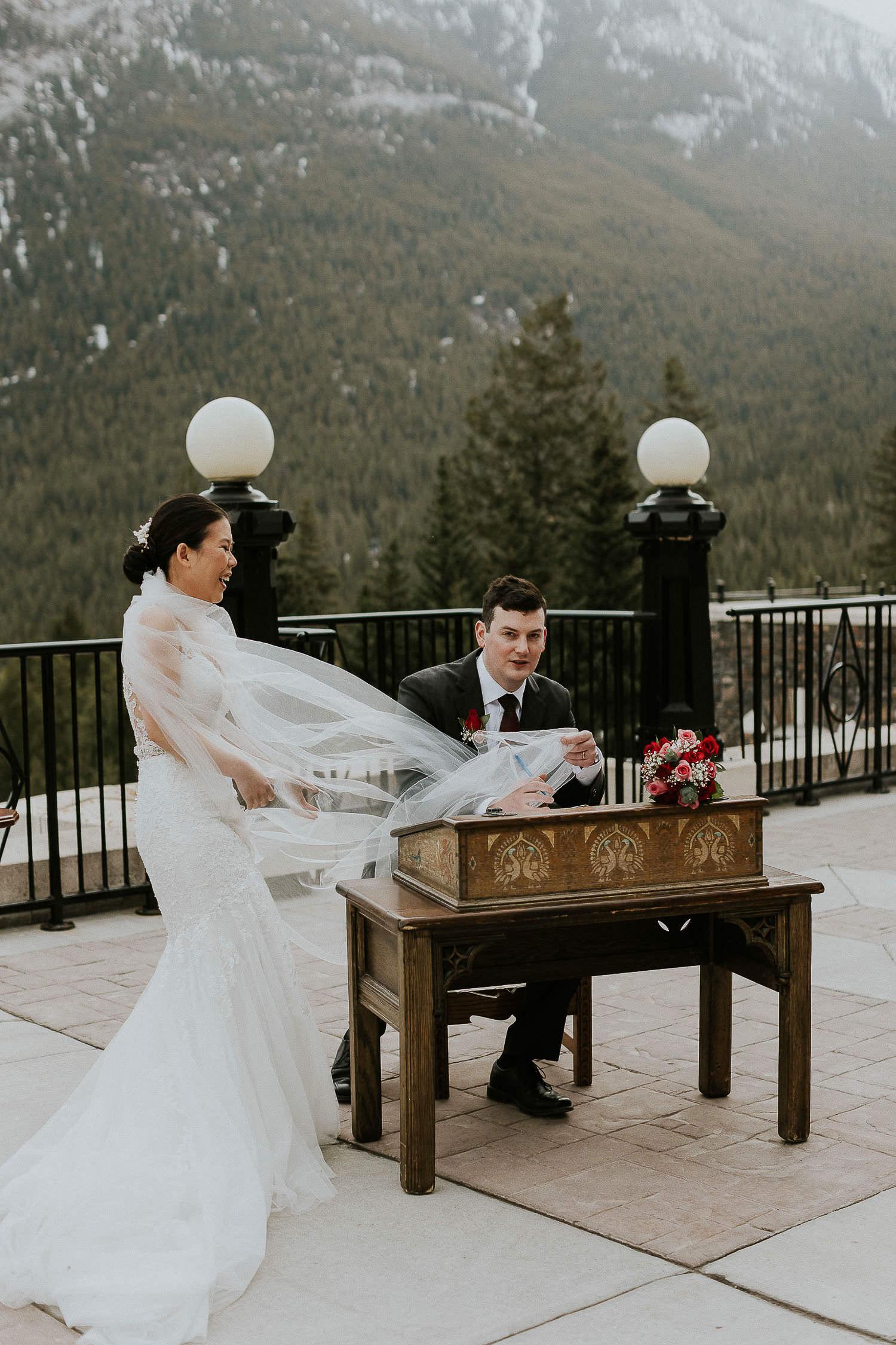 intimate-wedding-at-banff-springs-hotel-sarah-pukin-0106