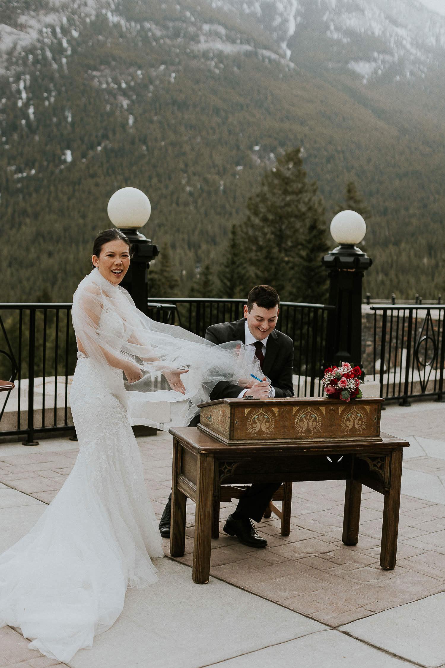 intimate-wedding-at-banff-springs-hotel-sarah-pukin-0108