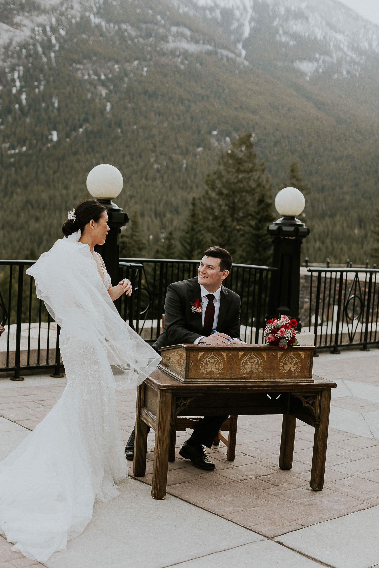intimate-wedding-at-banff-springs-hotel-sarah-pukin-0110