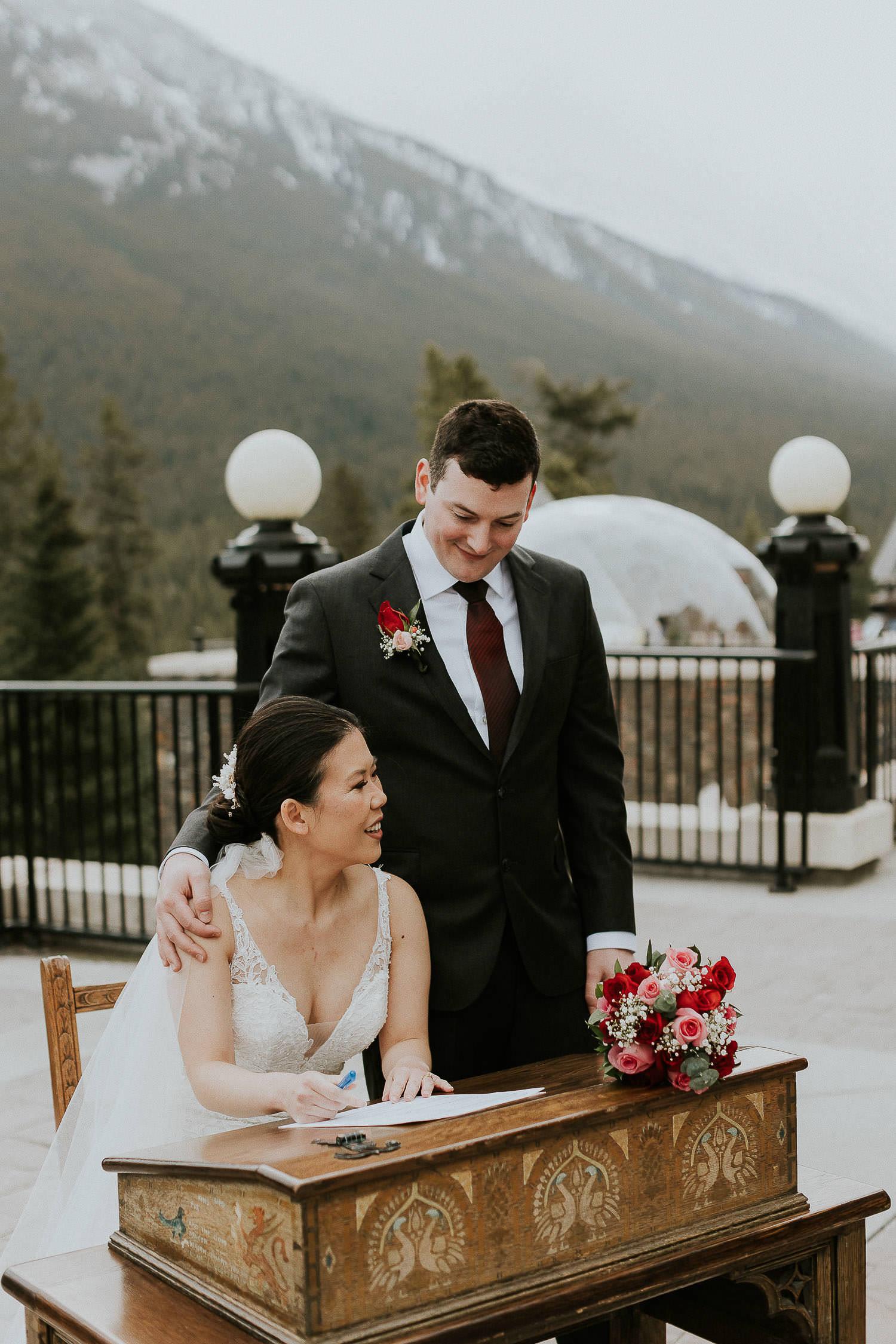intimate-wedding-at-banff-springs-hotel-sarah-pukin-0111