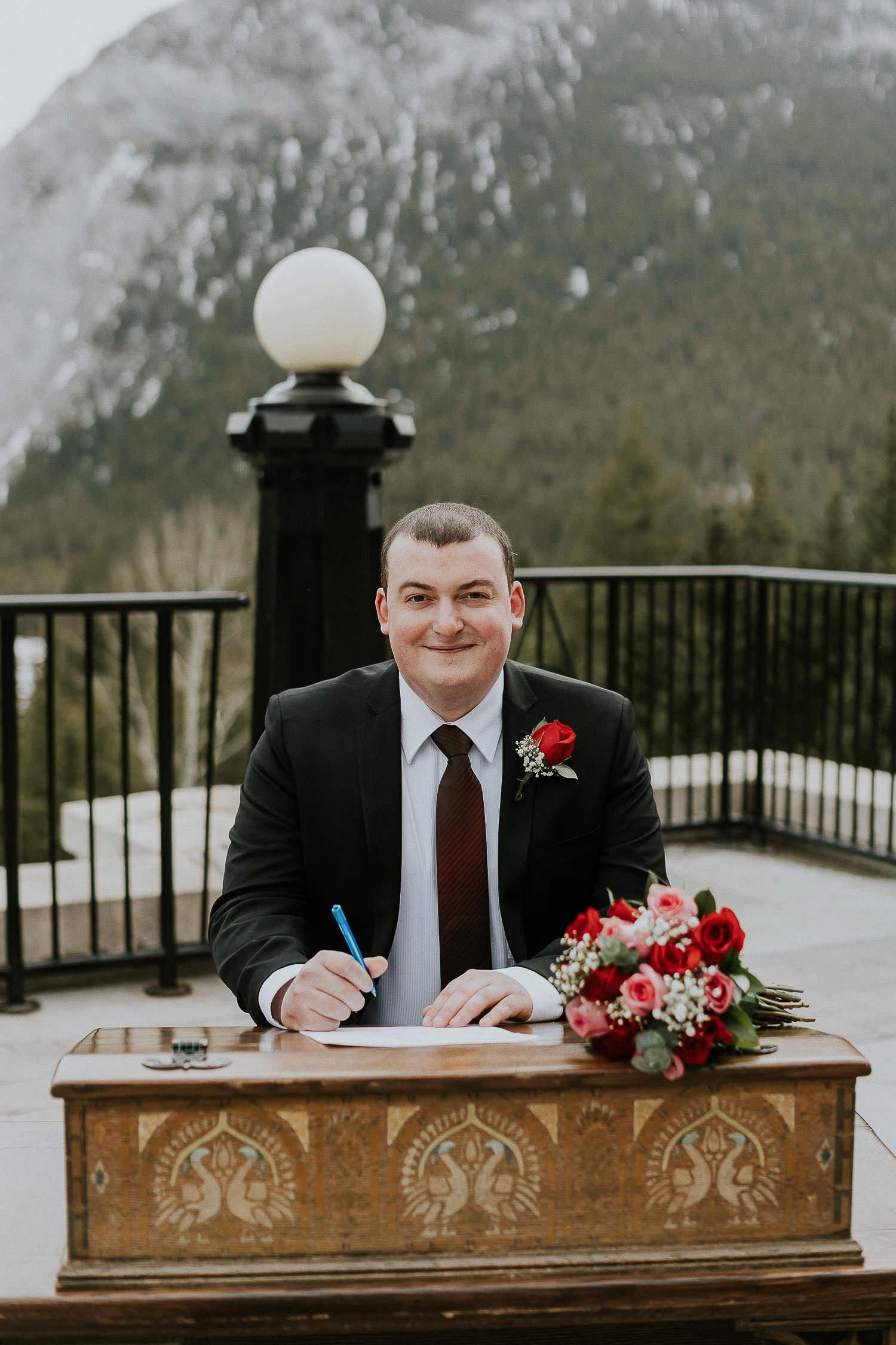 intimate-wedding-at-banff-springs-hotel-sarah-pukin-0113