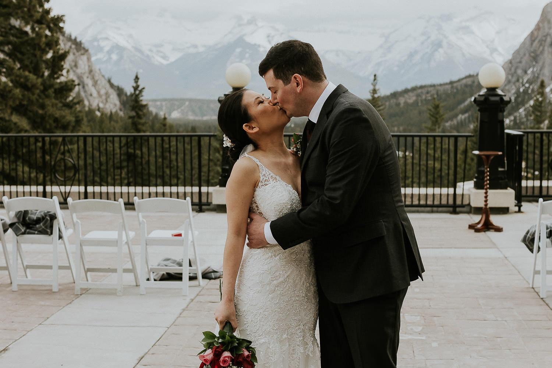 intimate-wedding-at-banff-springs-hotel-sarah-pukin-0116