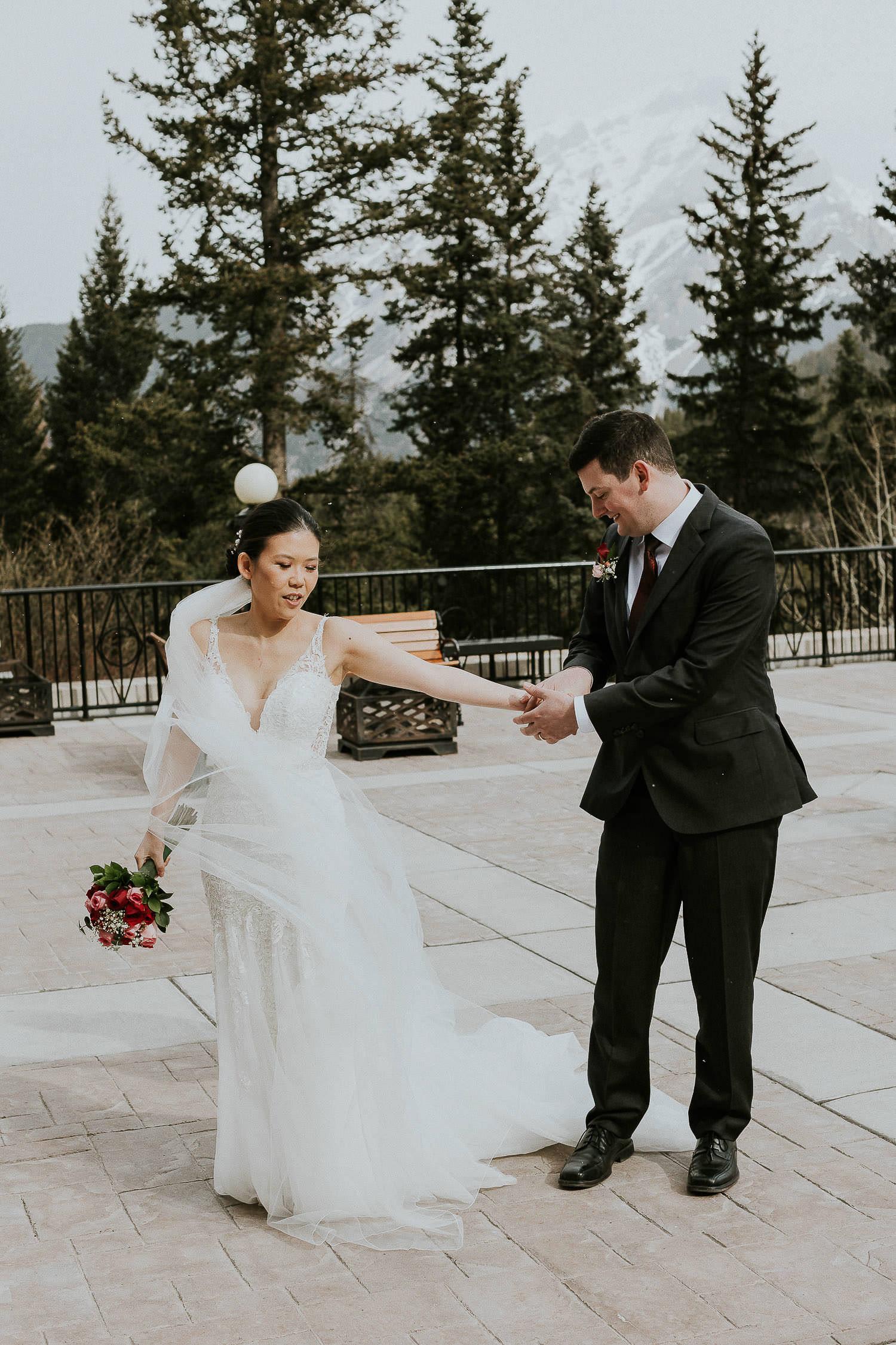 intimate-wedding-at-banff-springs-hotel-sarah-pukin-0119