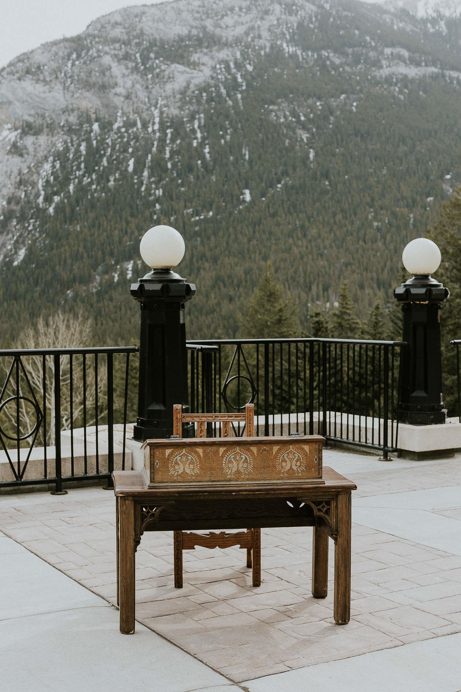 intimate-wedding-at-banff-springs-hotel-sarah-pukin-0120