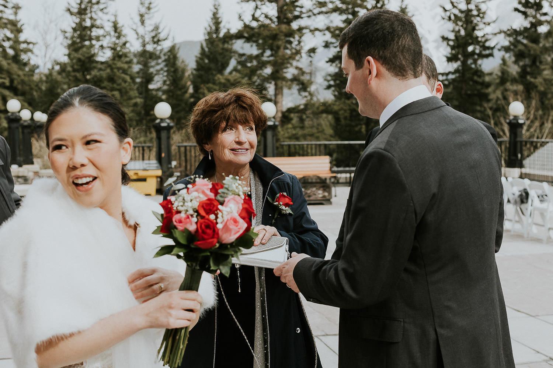 intimate-wedding-at-banff-springs-hotel-sarah-pukin-0125