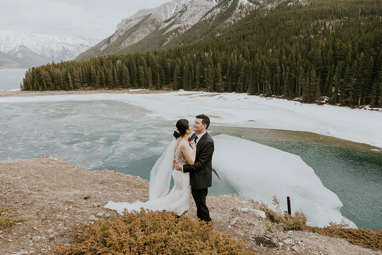 intimate-wedding-at-banff-springs-hotel-sarah-pukin-0144