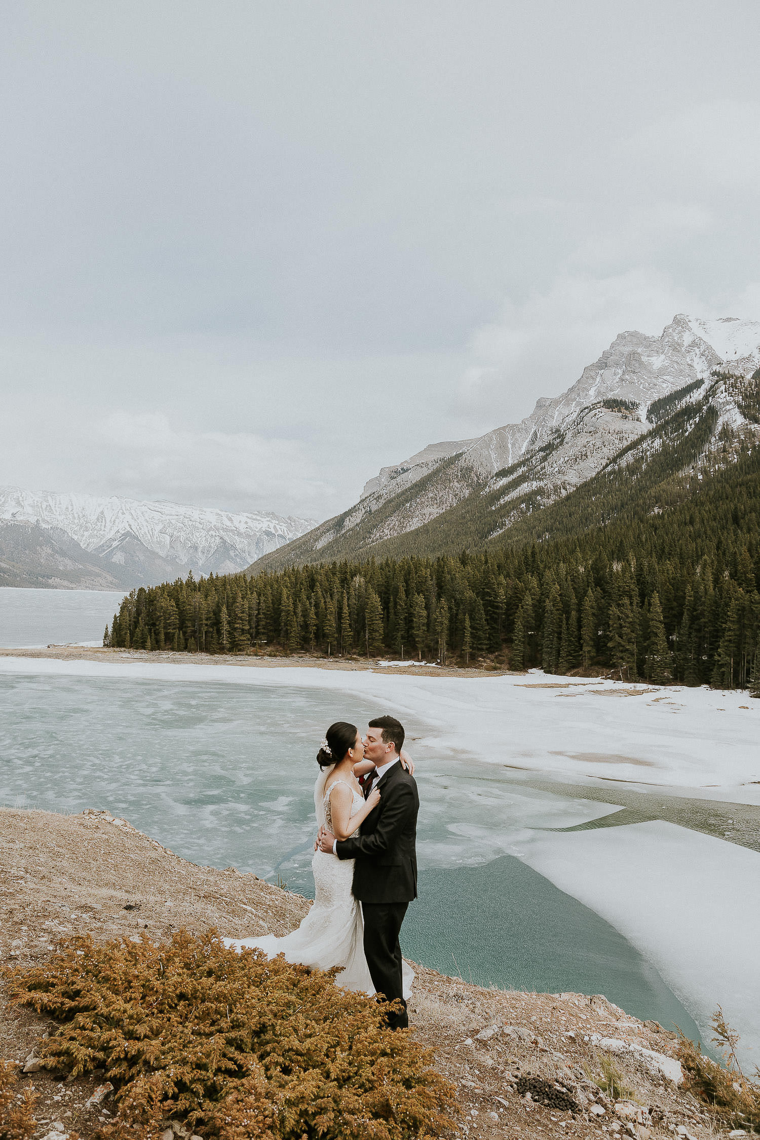 intimate-wedding-at-banff-springs-hotel-sarah-pukin-0146