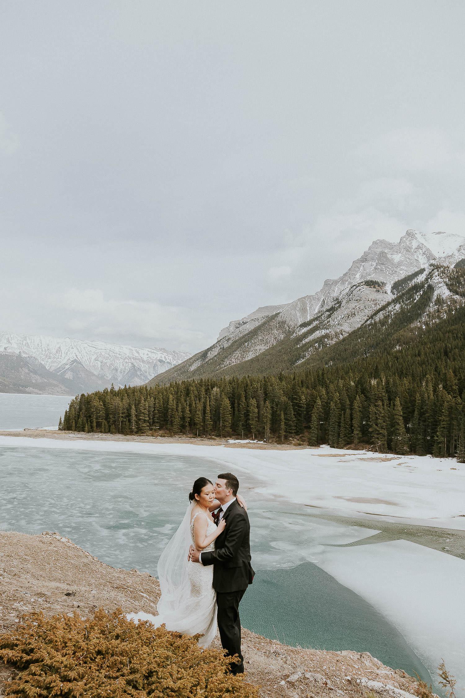 intimate-wedding-at-banff-springs-hotel-sarah-pukin-0147