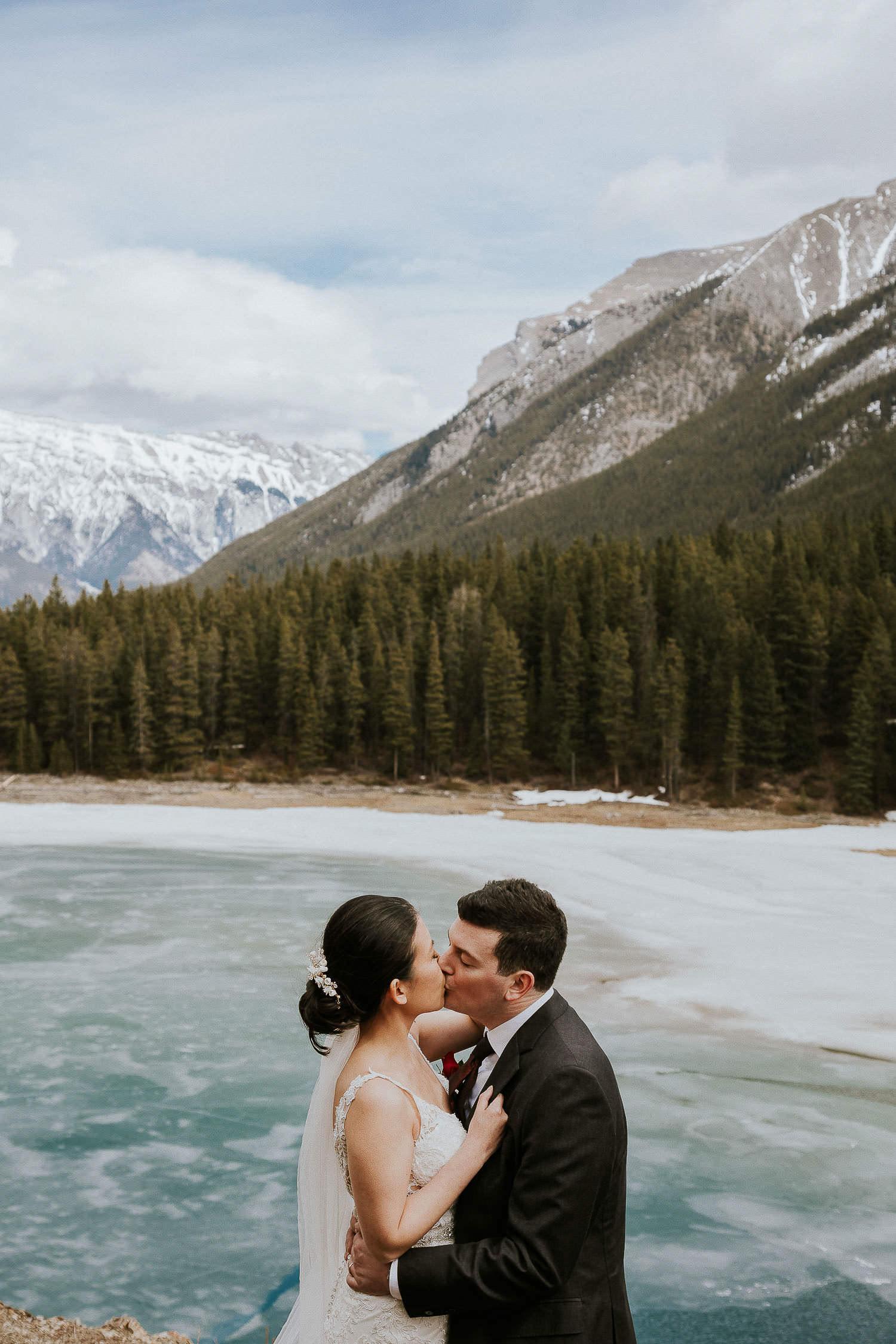 intimate-wedding-at-banff-springs-hotel-sarah-pukin-0152