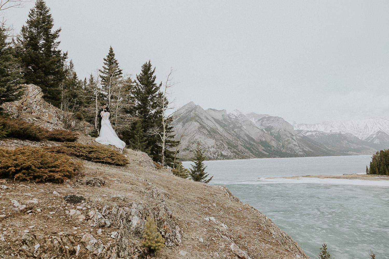 intimate-wedding-at-banff-springs-hotel-sarah-pukin-0161