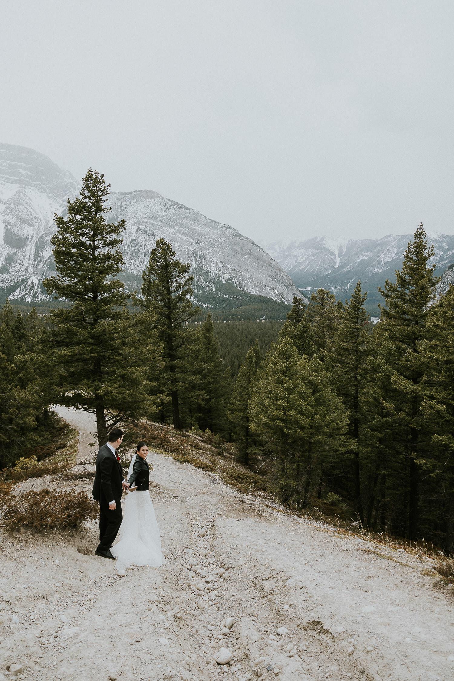 intimate-wedding-at-banff-springs-hotel-sarah-pukin-0170