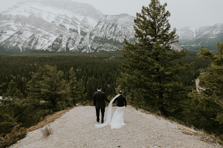 intimate-wedding-at-banff-springs-hotel-sarah-pukin-0171