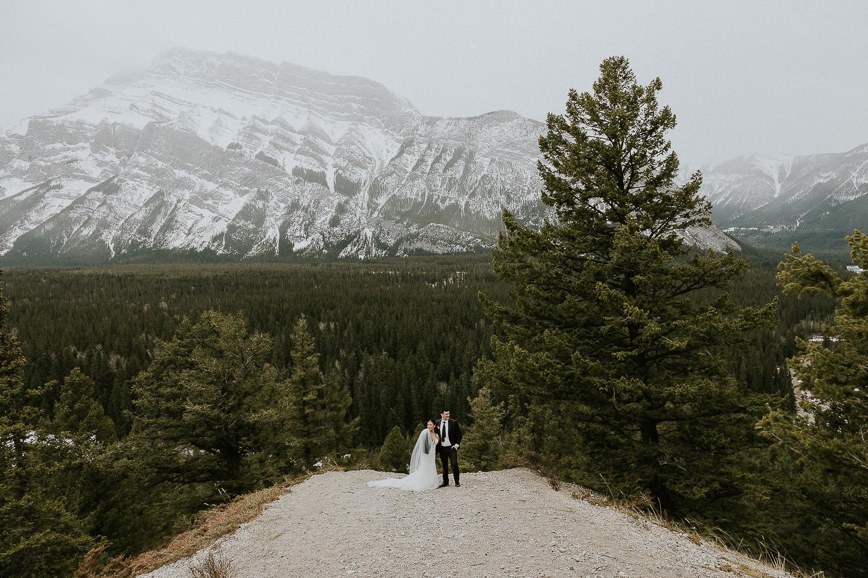 intimate-wedding-at-banff-springs-hotel-sarah-pukin-0172