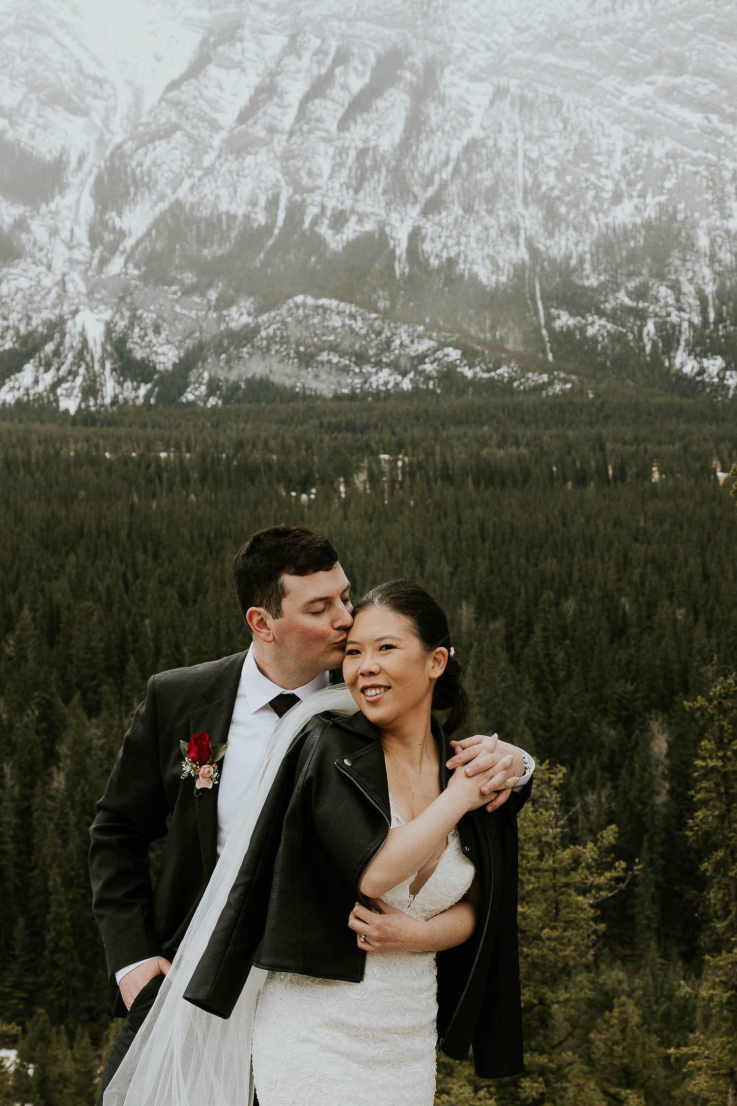 intimate-wedding-at-banff-springs-hotel-sarah-pukin-0175
