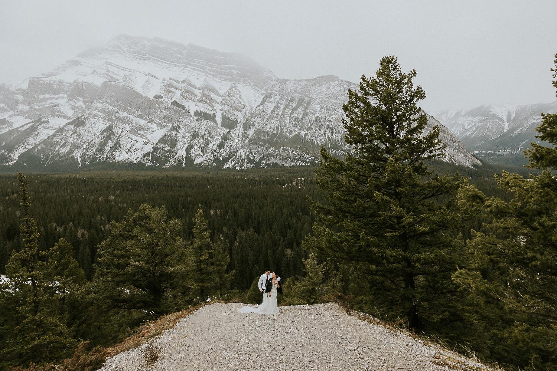 intimate-wedding-at-banff-springs-hotel-sarah-pukin-0176