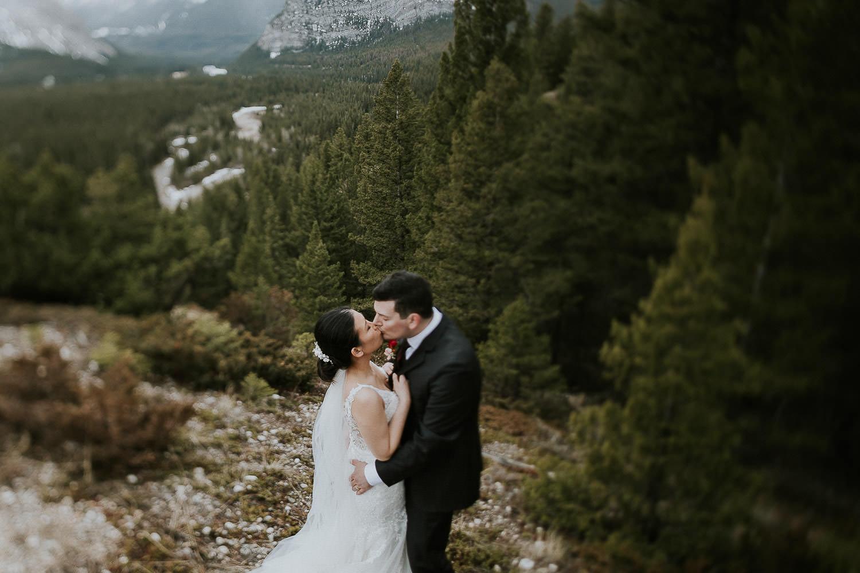 intimate-wedding-at-banff-springs-hotel-sarah-pukin-0188