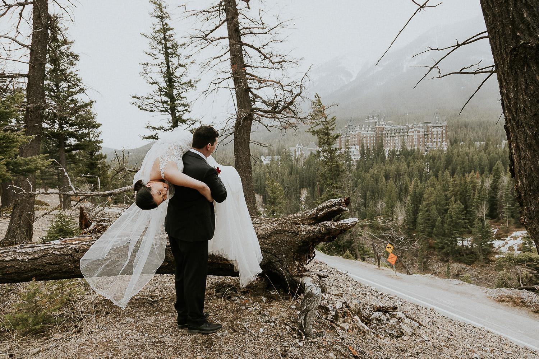intimate-wedding-at-banff-springs-hotel-sarah-pukin-0200